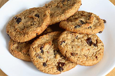 Grandma's Old-Fashioned Oatmeal-Raisin Cookies - New ...