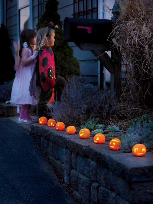 halloween crafts make jack o lanterns from oranges new england today