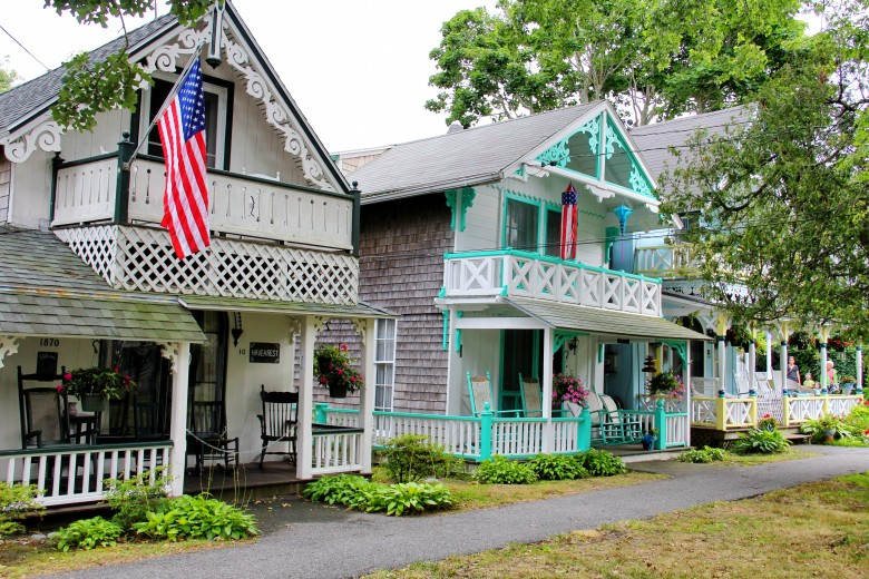 gingerbread cottages at oak bluffs campground new england today rh newengland com oak bluffs gingerbread houses for sale oak bluffs gingerbread houses address