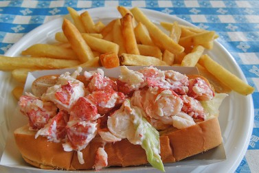 The 10 Best Lobster Rolls in New England