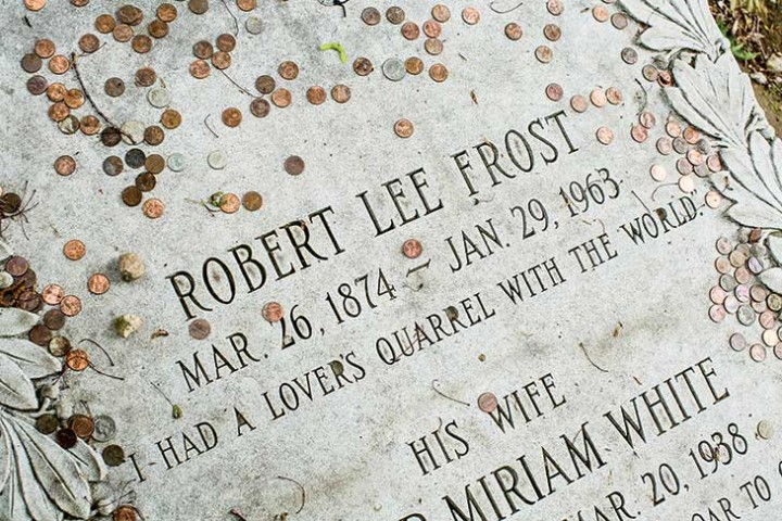 robert frost the new england poet A biographical profile of robert frost, celebrated american poet whose work is rooted in new england farm life, combining a modernist sensibility and sense of.