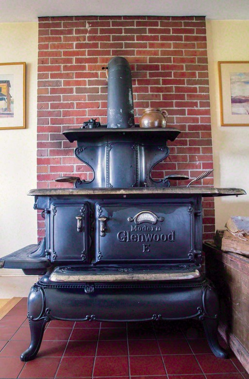 The Authoru0027s Current 19th Century Cookstove Is A Cast Iron Glenwood E. The