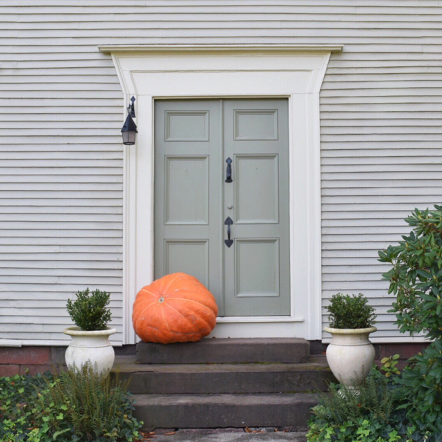 Fall Doors Of Connecticut | Seasonal Entryways