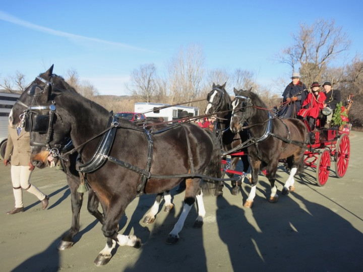 wassail parade woodstock vt carriage
