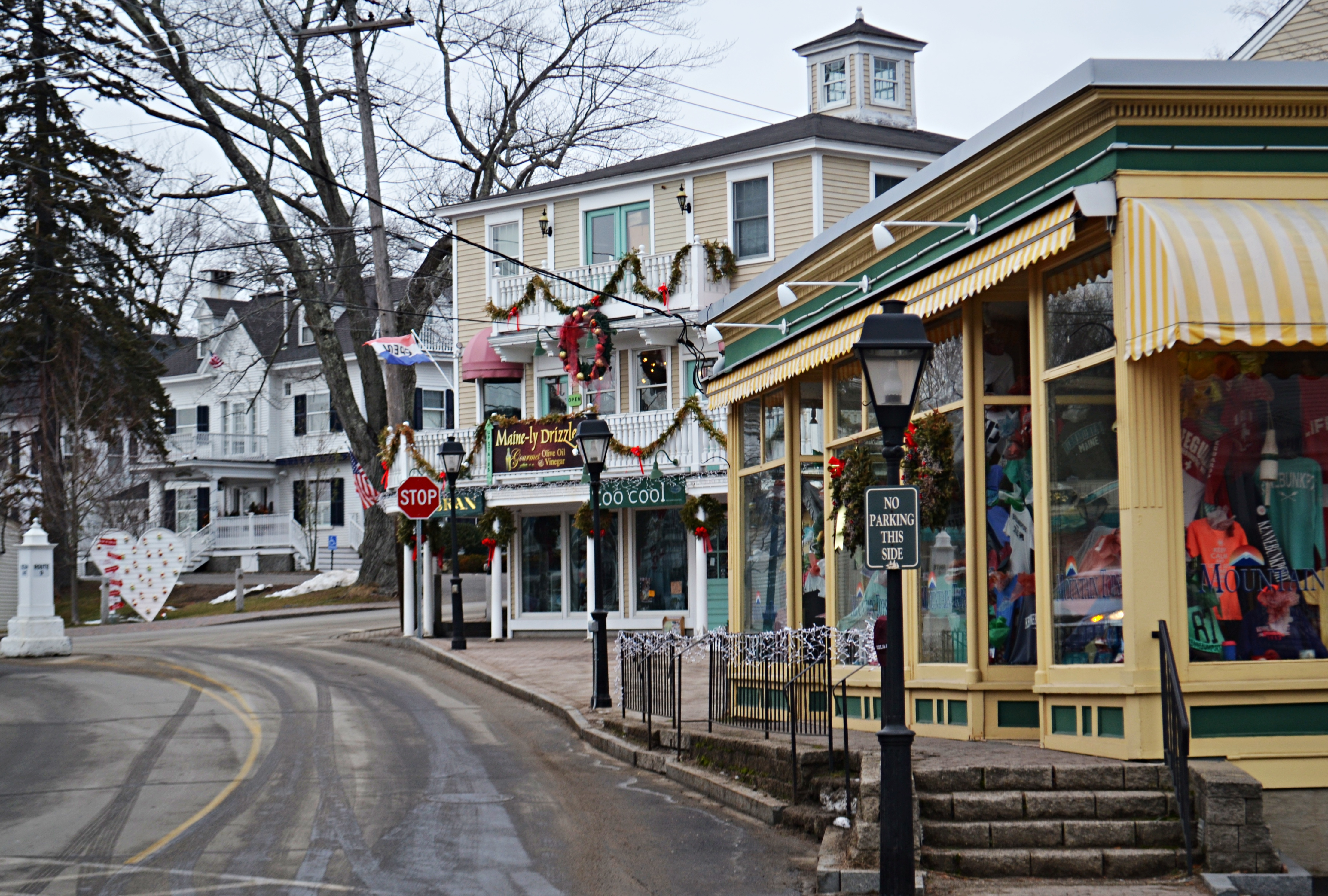 Kennebunkport Maine In Winter Paint The Town Red New England Today