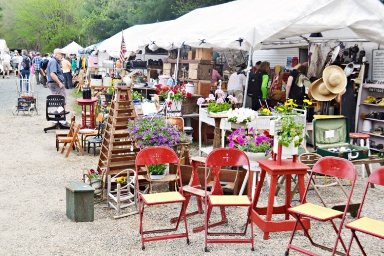 10 Tips For Surviving The Brimfield Antique Show New