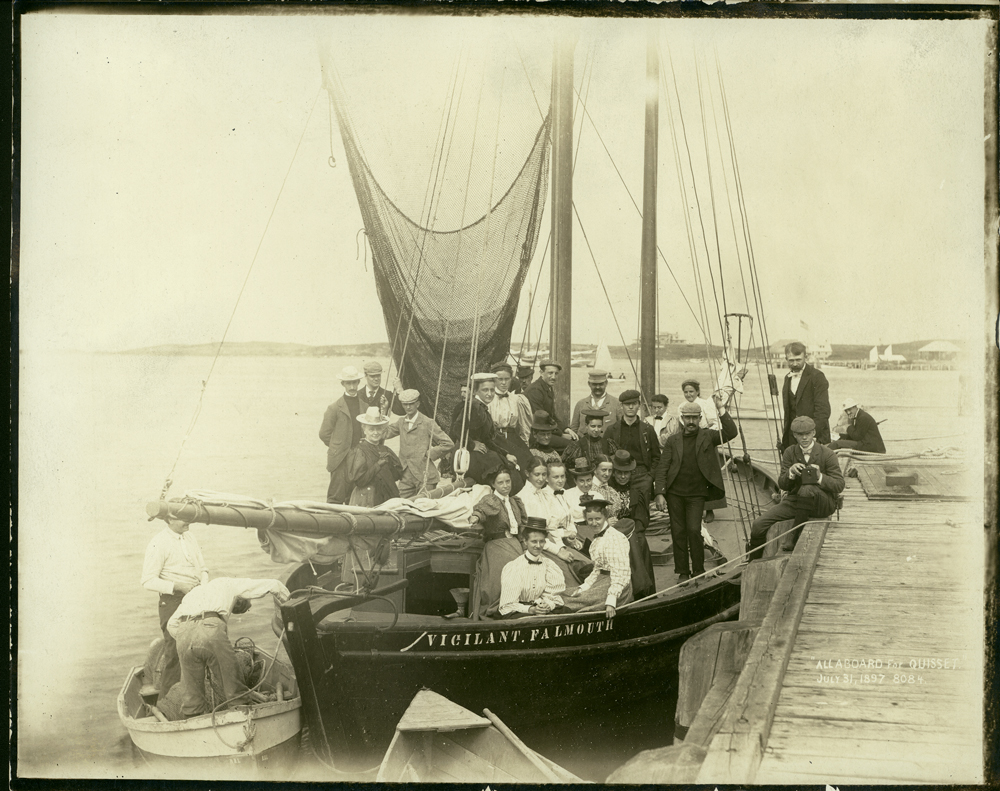 history of new england and the The whaling industry flourished in new england from about 1820 to 1860, until the demand for oil for illumination was replaced by oil taken from the ground.