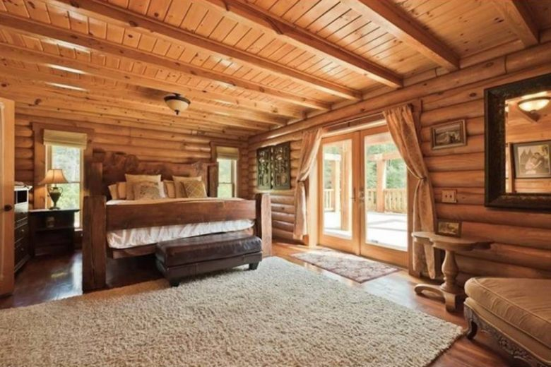 Maine lake cabin rentals waterfront retreats new for Cabin rentals in maine with hot tub