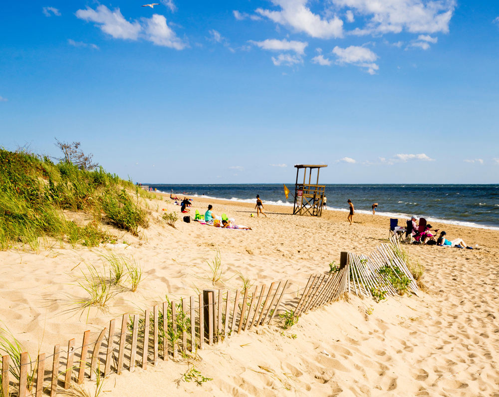 Best coastal towns in new england for Beach towns in connecticut