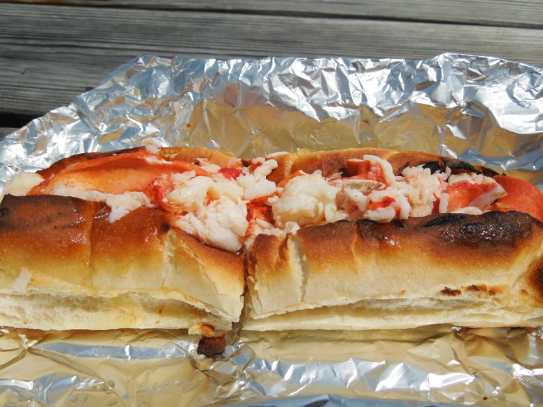 Connecticut Lobster Roll Roundup