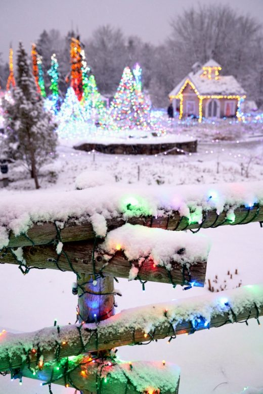 Christmas Festival Scene Drawing.Best Places To See Christmas Lights In New England New