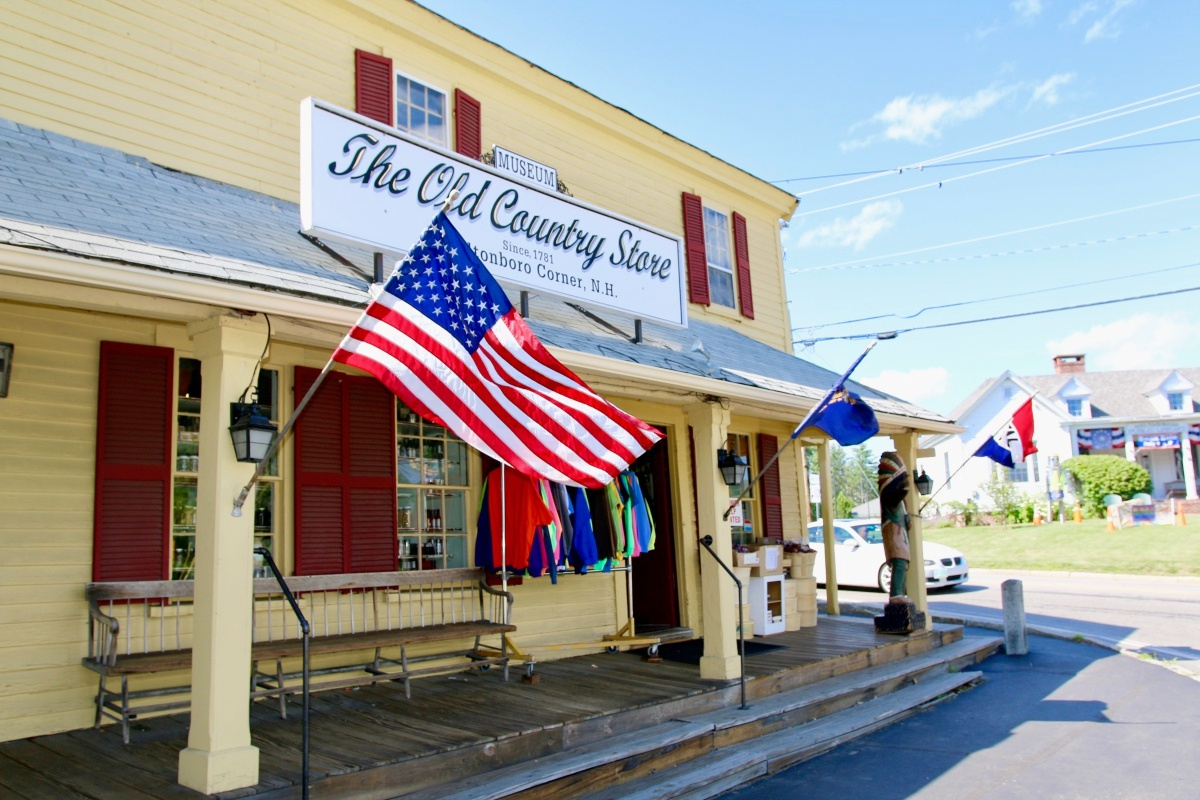 the old country store in moultonborough nh photos new england today. Black Bedroom Furniture Sets. Home Design Ideas