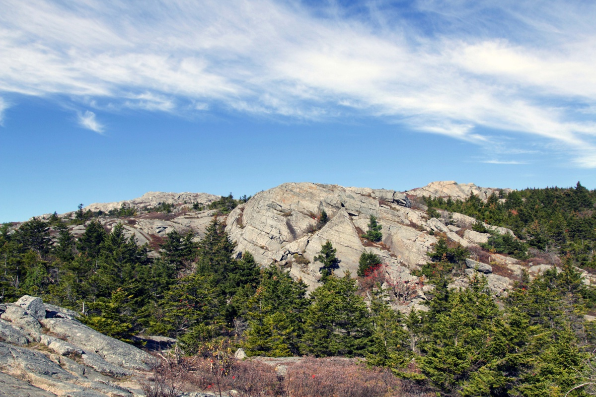 guide to mount monadnock the most popular hike in new england