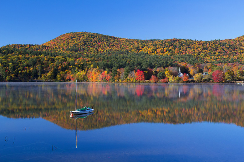 Crystal Lake Eaton The Best New England Fall Foliage