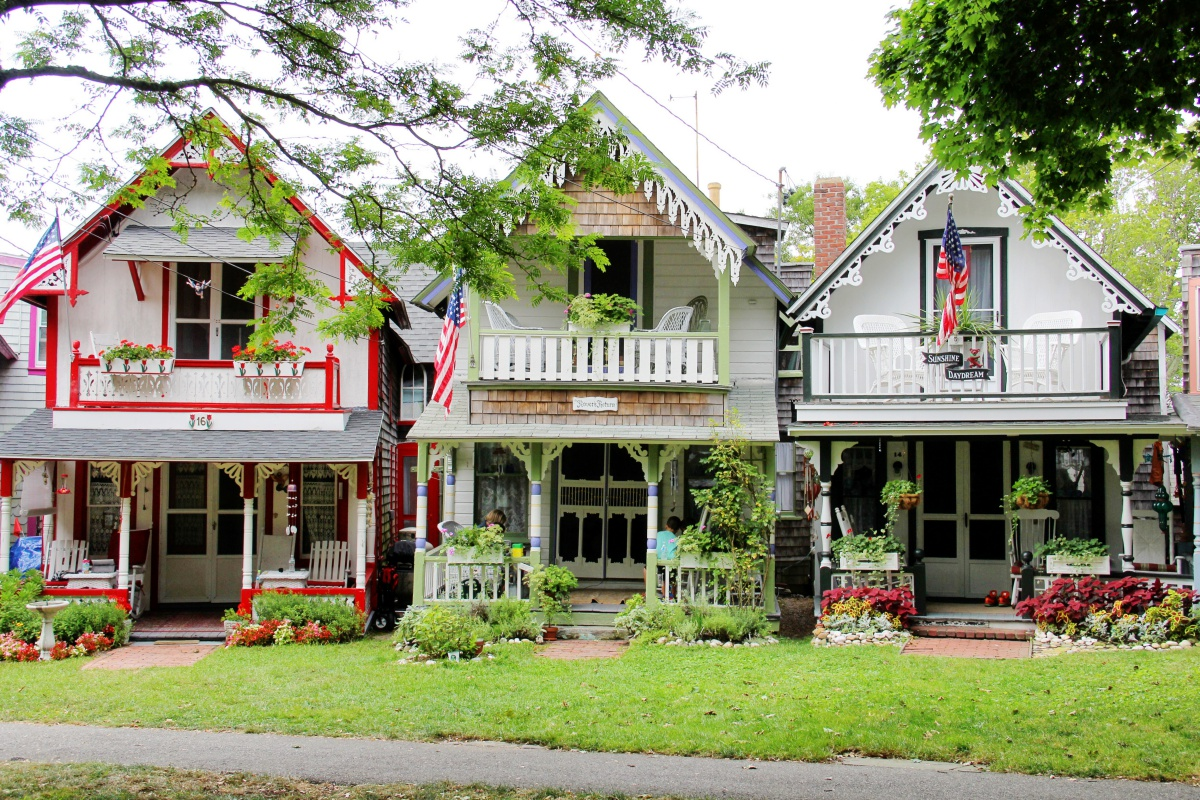 Gingerbread Cottages at Oak Bluffs Campground - New England Today