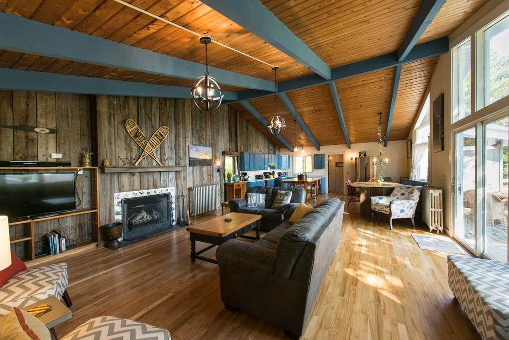10 Cozy Cabins for Rent in Vermont | Winter Getaways - New England Today