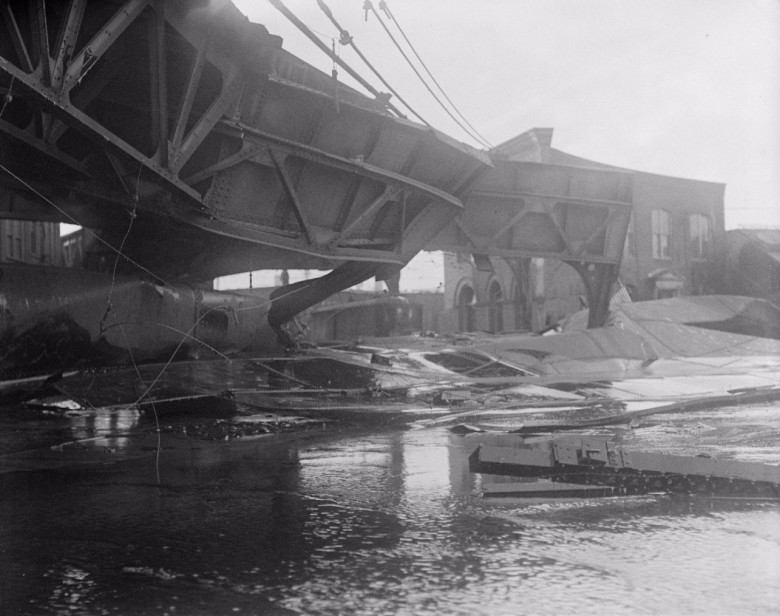 Boston elevated twisted into new shapes, after Molasses Disaster