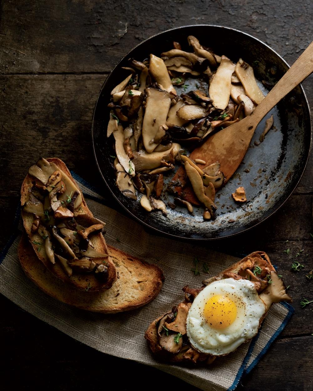 Breakfast Mushrooms on Toast