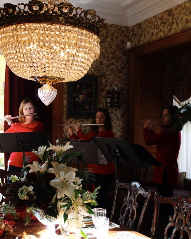Live classical Christmas music swept through the home. Each home has musical performances at different times in the day.
