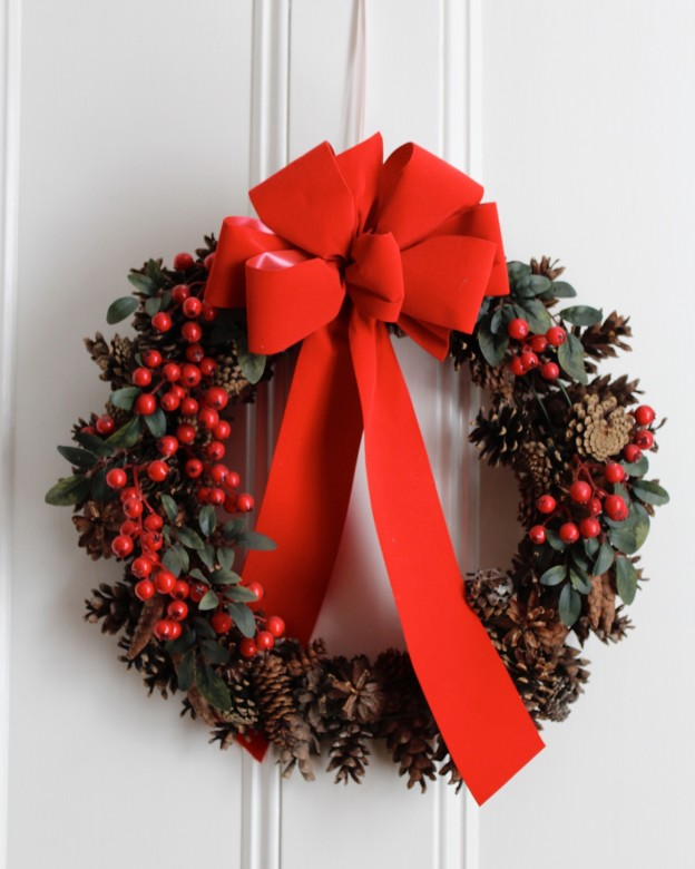 A simplistic Christmas wreath with lovely winter berries.