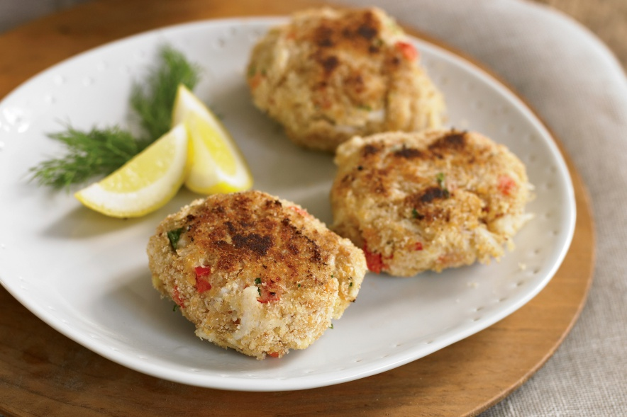 Crispy Crab Cakes Recipe with Roasted Red Pepper Garlic Aioli