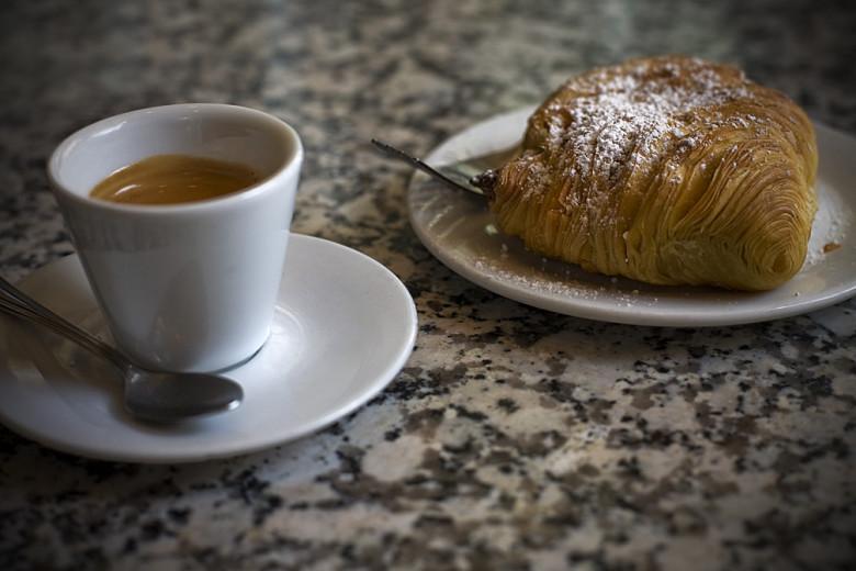 Caffe Vittoria | 5 Favorite North End Restaurants