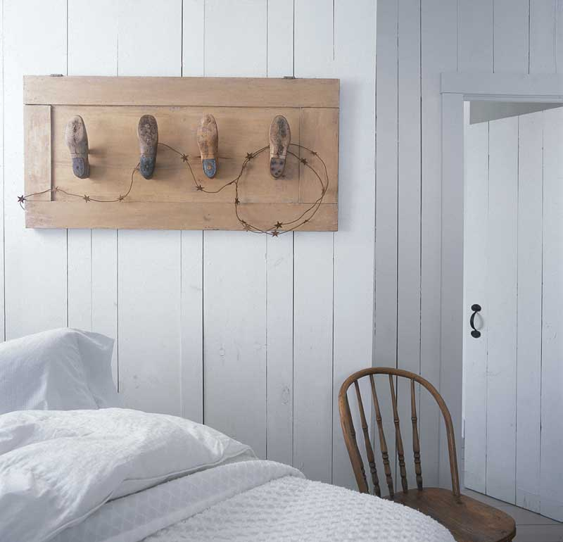 Craft: vintage coatrack from shoe forms