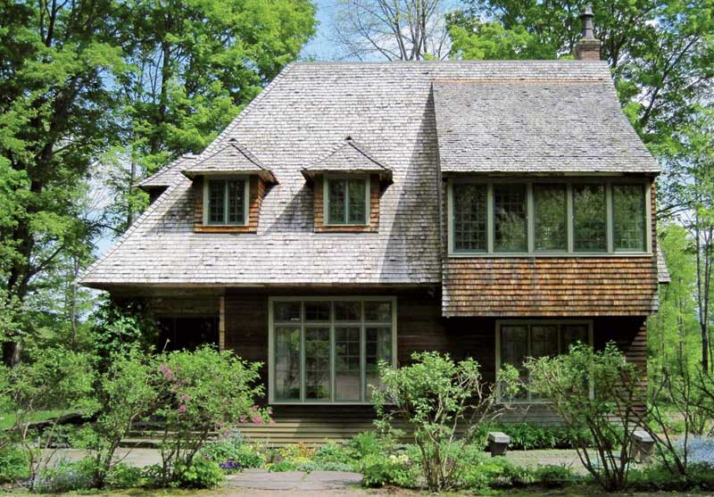 English cottage in vermont house for sale new england for Homes cottages magazine