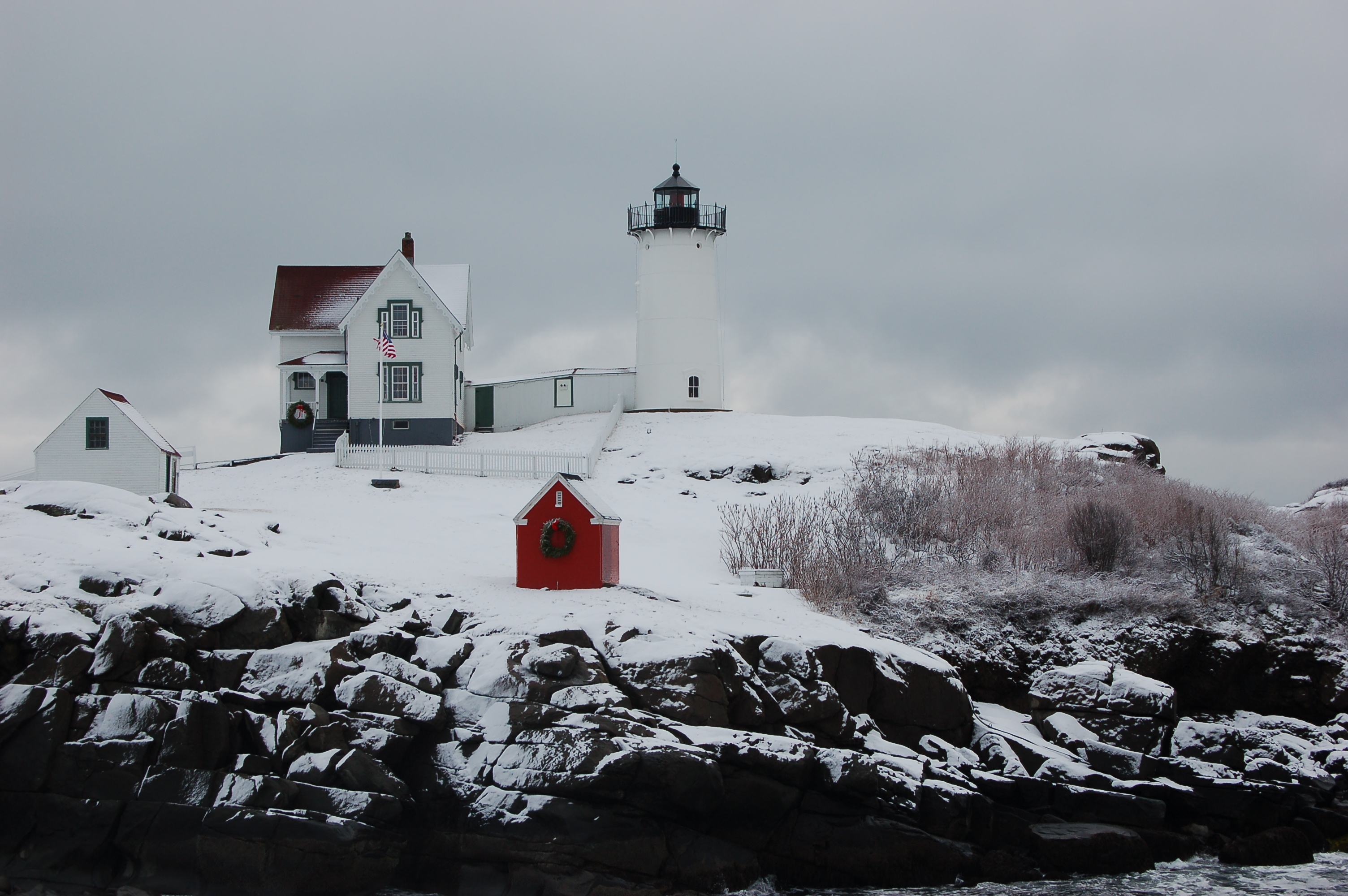 Fabulous Nubble Lighthouse In Winter New England Today Download Free Architecture Designs Scobabritishbridgeorg