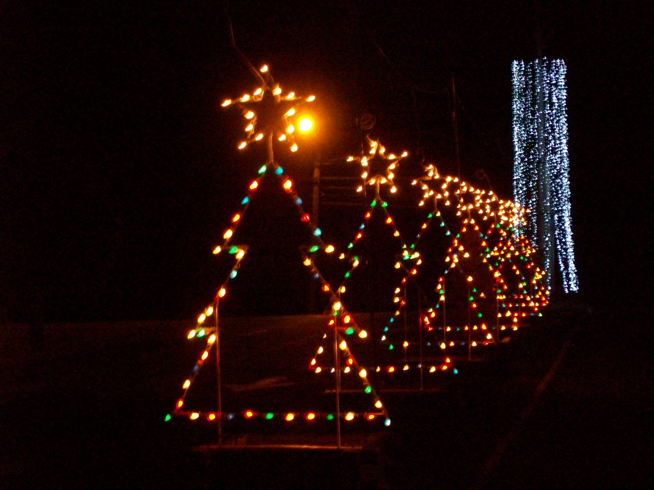 best places to see christmas lights in new england