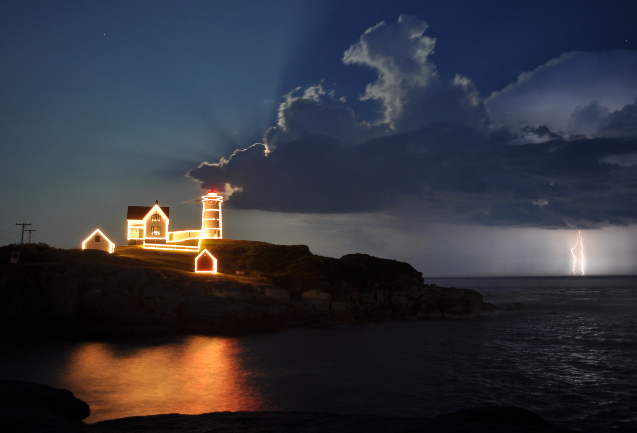 Christmas I July At The Nubble Lighthouse - New England Today