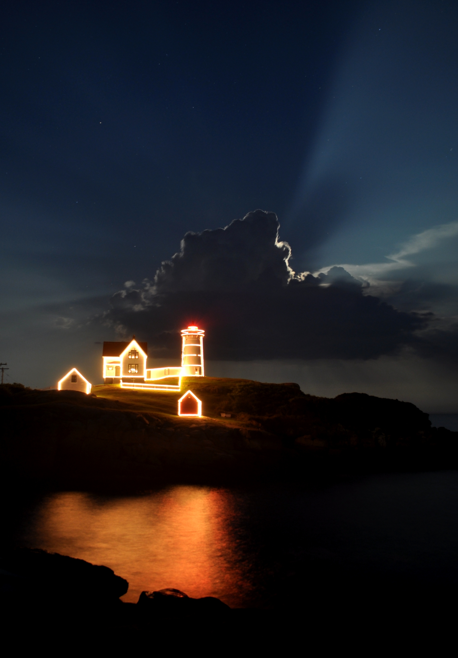 Nubble Light | Photographs - New England Today
