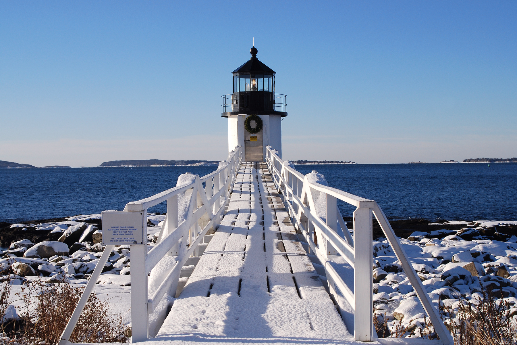 Miraculous 10 Must See New England Lighthouses New England Today Download Free Architecture Designs Scobabritishbridgeorg