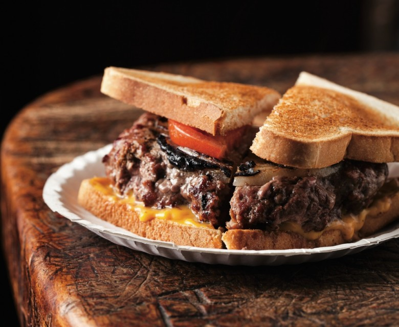 [Image: louis-lunch-hamburger-780x640.jpg]