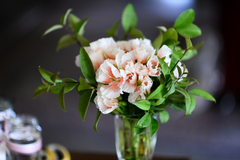 How To Make Flower Arrangements make flower arrangements last longer - new england today