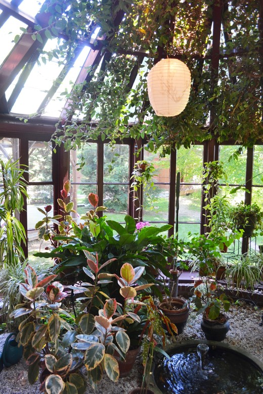 The sunny, plant-filled conservatory where Twain would romp around like an elephant to amuse his daughters.