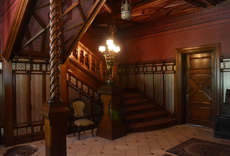Tour the mark twain house in hartford connecticut new for The hartford house