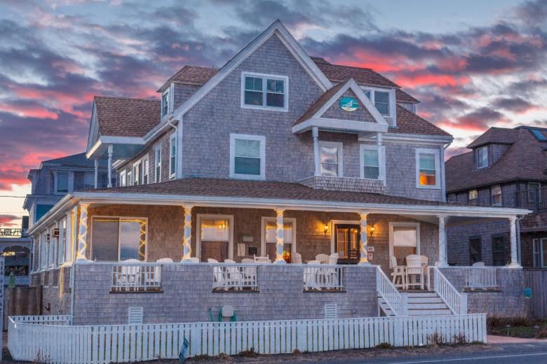 Isabelle S Beach House In Oak Bluffs Favorite Martha Vineyard Hotels