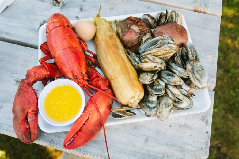 Where To Find A Live Fire New England Clambake