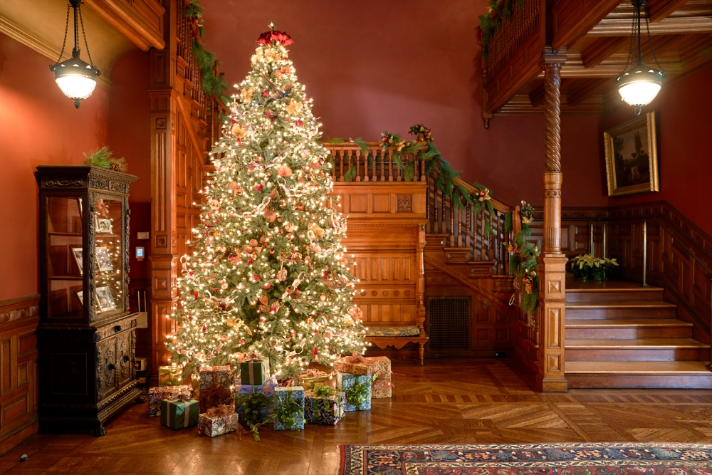 Christmas Tours.Guide To New England Historic Holiday Home Tours Yankee