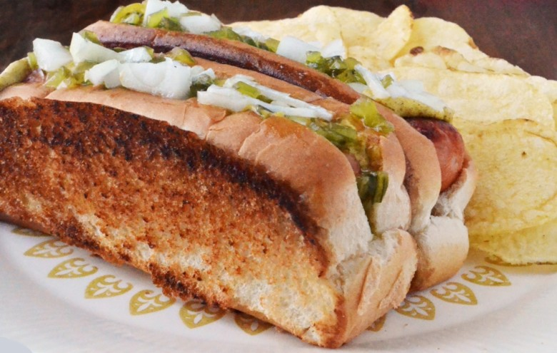 In Praise Of The New England Hot Dog Bun Yankee Magazine