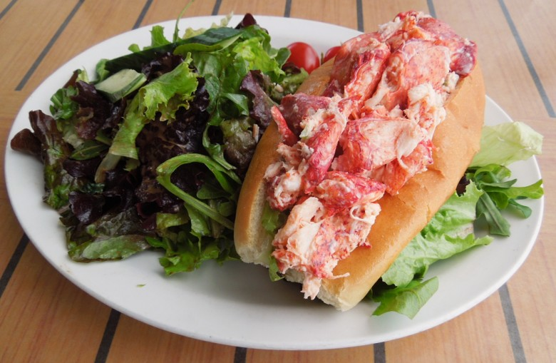 Where To Find The Best New England Lobster Roll In Winter New England Today
