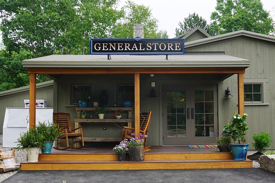 The on-site general store carries everything from bug spray and s'mores supplies to fresh coffee and ice cream novelties.