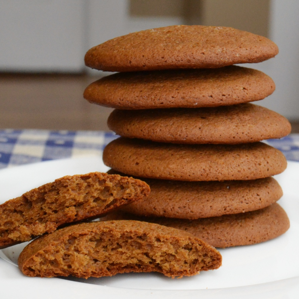 Sister Minnie S Soft Ginger Molasses Cookies Recipe Yankee Magazine