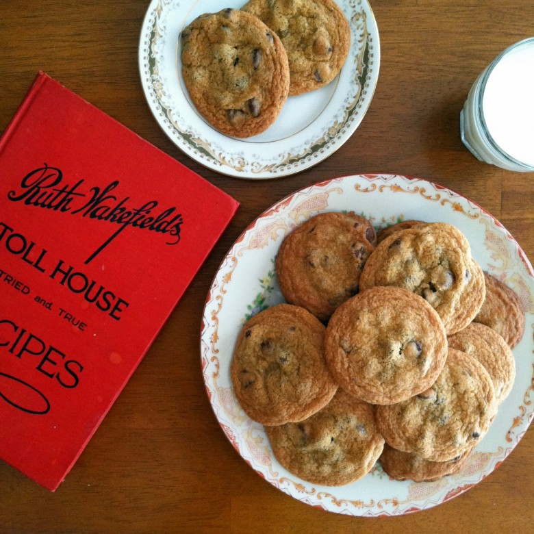 Toll House Cookies | History of the Original Toll House Cookie Recipe (the first chocolate chip cookies).