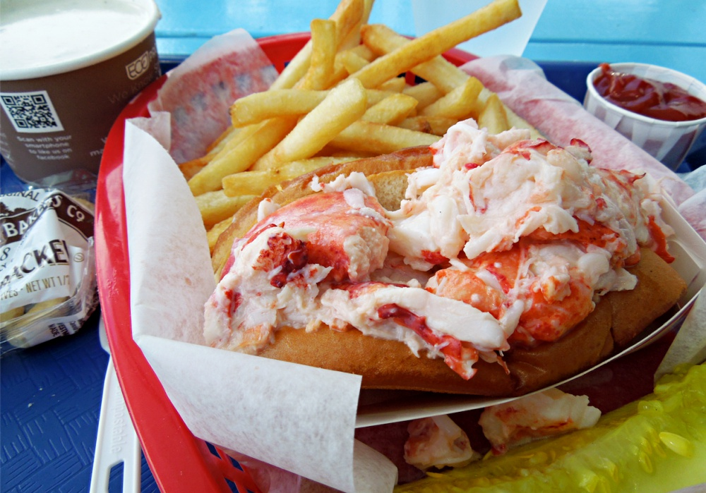 Where to Find the Best New England Lobster Roll in Winter