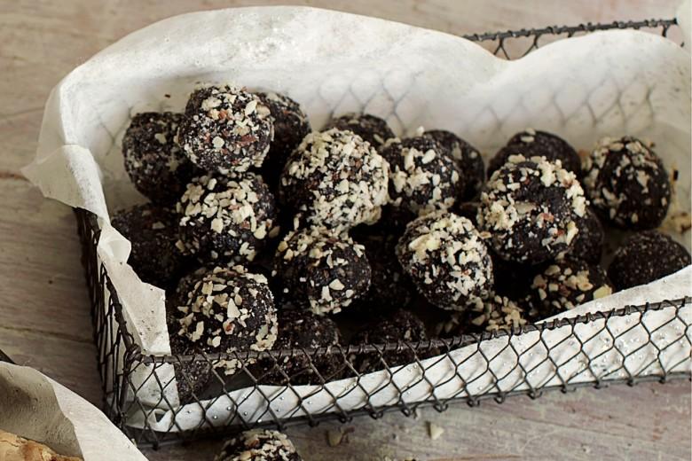 No-Bake Chocolate Rum Balls