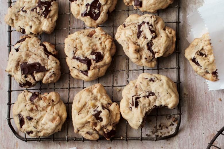 Semi-Retro Chocolate Chip Cookies
